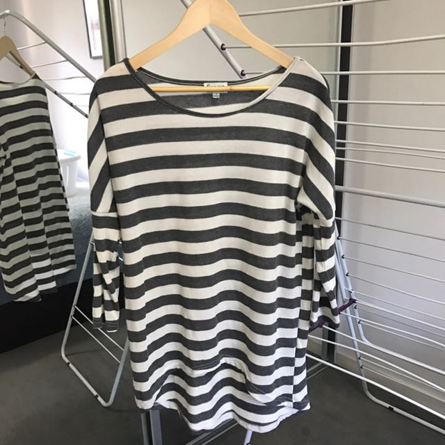 High low knitted striped top