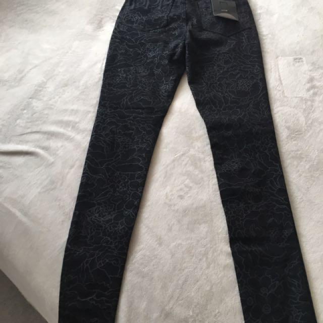 Iilabb Jeans Size 6 BRAND NES