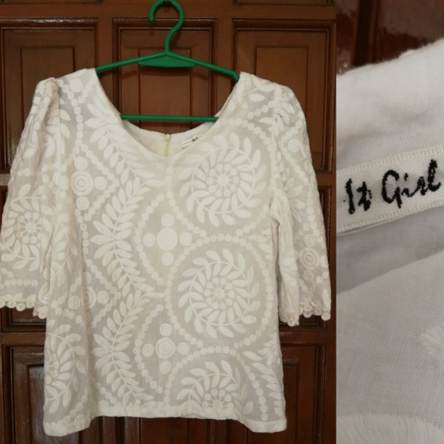 IT GIRL Embroidered White Blouse