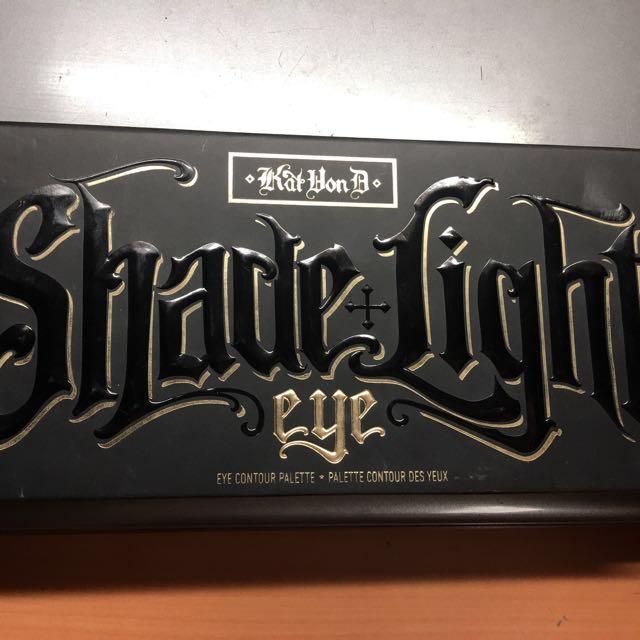 Kat Von D shade&light 眼部修容盤