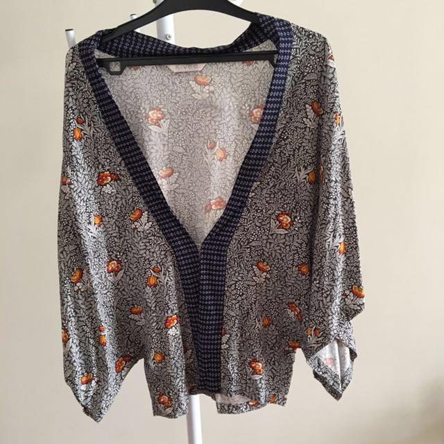Kimono Style Outer Motif