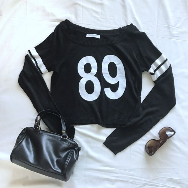 Magnolia Black Top Knitwear