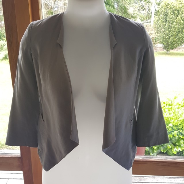 Max size 6 silver (grey) waterfall blazer