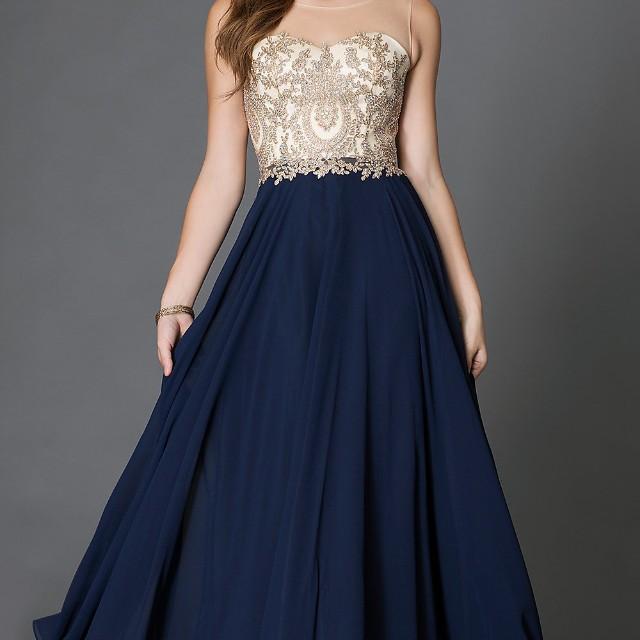 Navy blue jewelled prom dress 💙✨