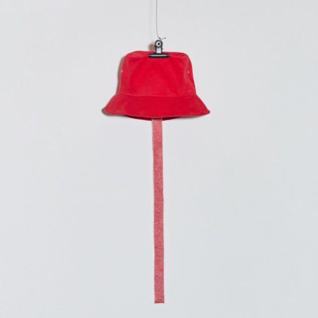Peaceminusone red bucket hat