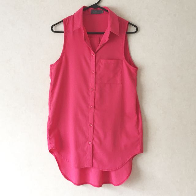 Pink collared sleeveless top