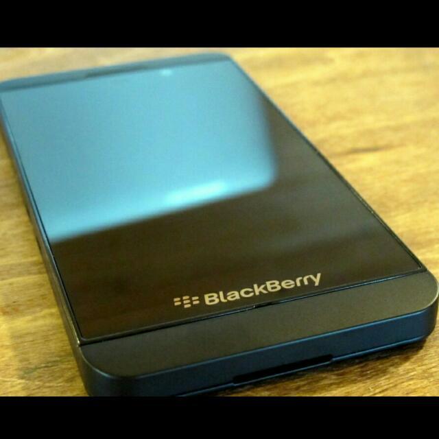 Premium Business class Mobile Blackberry z-10 , Original, Open Line #sellmy1111#