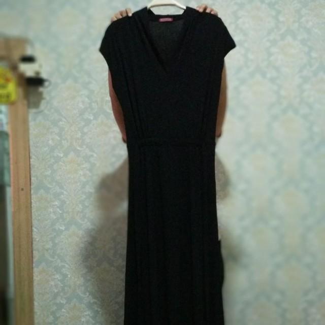 Pure black long dress