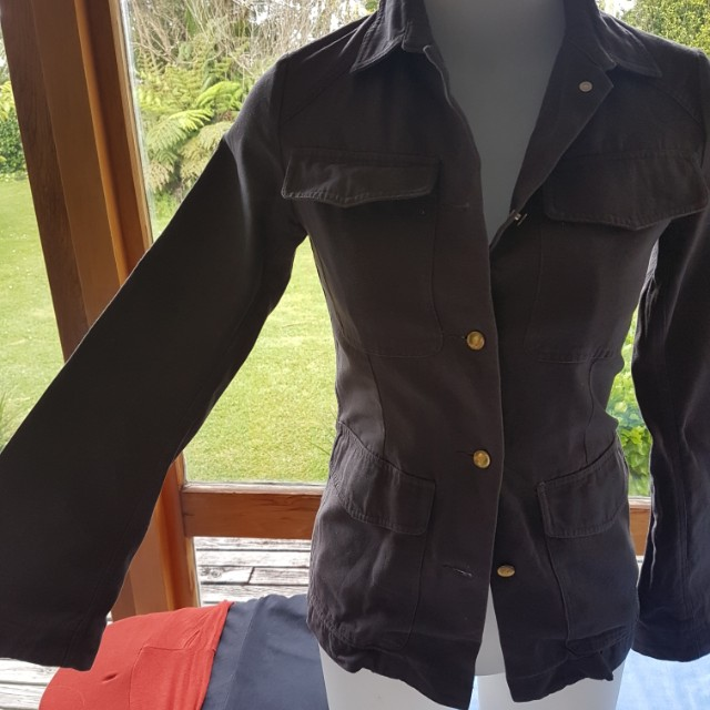 Ruby size 6 bell sleeve tailored coat