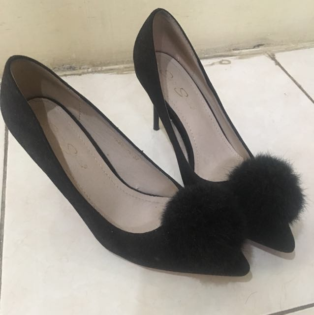 sepatu ukuran 38