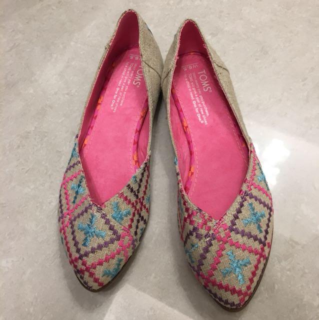 TOMS 民俗風刺繡尖頭休閒鞋