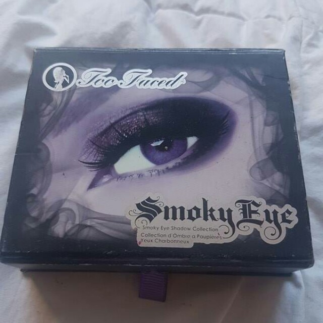 Two faced eye shadow pallette