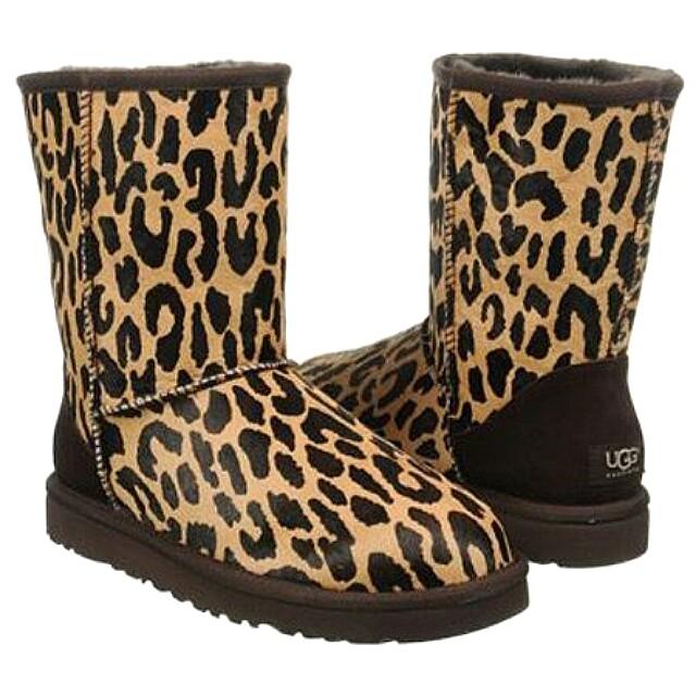 UGG women short boots