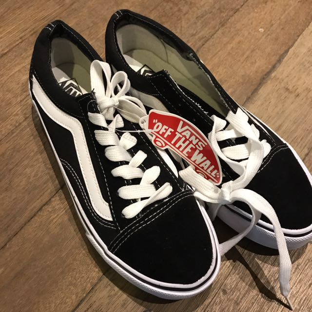 Unisex Classic Old Skool Black and White