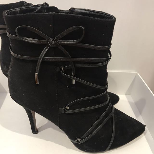 Verali boot heels