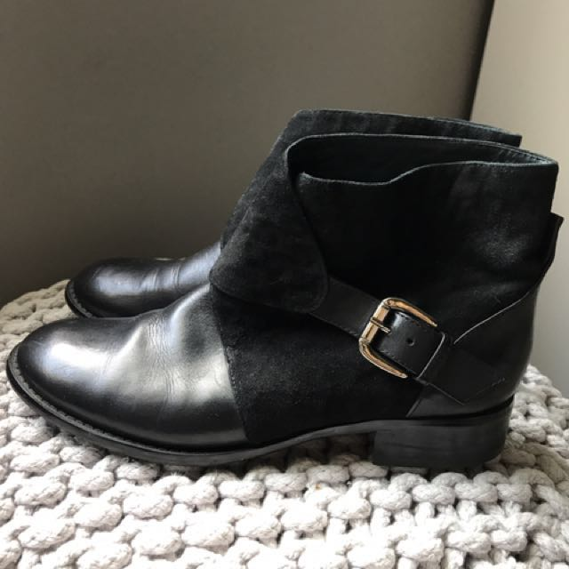 Wittner Like New Leather Ankle Boots