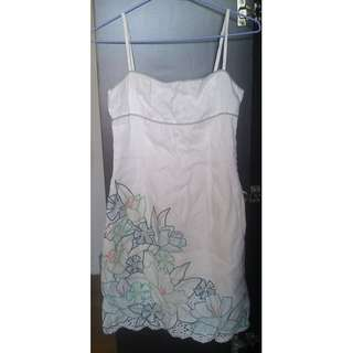 美國 BCBG MAXAZRIA 白色復古版型美繡花洋裝