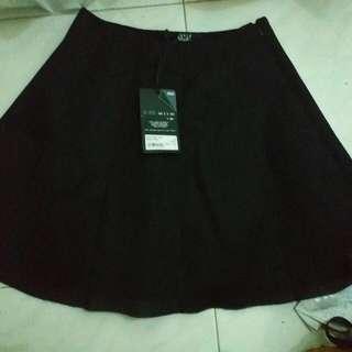 Sport B.黑裙