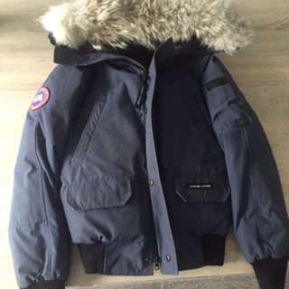 CANADA GOOSE JACKET SIZE LARGE KIDS