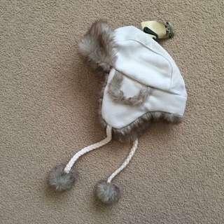 Nwt Ladies Furry Eskimo Beige Winter Snow Beanie Hat With Pom Poms