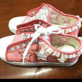 蕾絲邊框 板鞋
