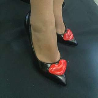 JEROME ROSSEAU INSPIRED Lips Black Pumps