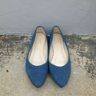 Flat shoes bahan denim