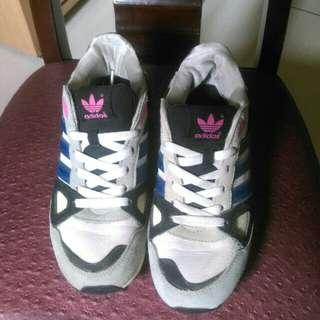 Adidas us6.5