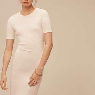 Aritzia's Wilfred Mignonne Dress