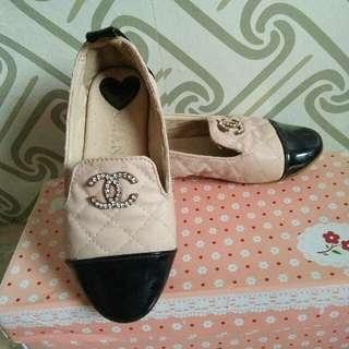 Sepatu chanel import