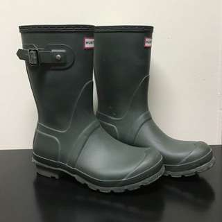 Matte Dark Green Hunter Rainboots (Size 9)