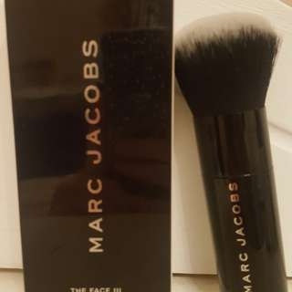 *still available* Marc Jacobs Face III Foundation Brush