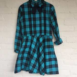 Plaid dress with bow