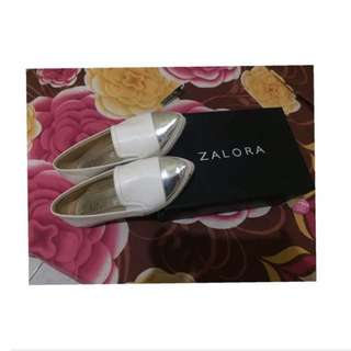 Reprice White shoes by zalora