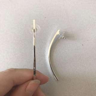 Elegant silver curved earrings