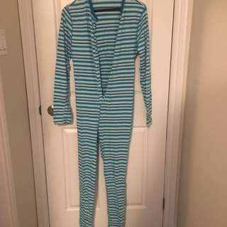 Medium-large onesie