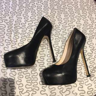 Zoe Wittner Black leather heels