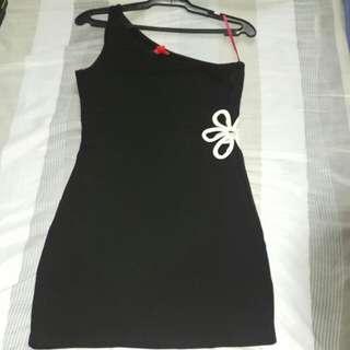 F21 exclusive black & white dress