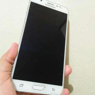 Samsung Galaxy J7 16
