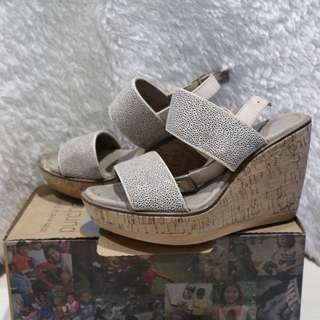 Hush Puppies Wedge (Granite White)