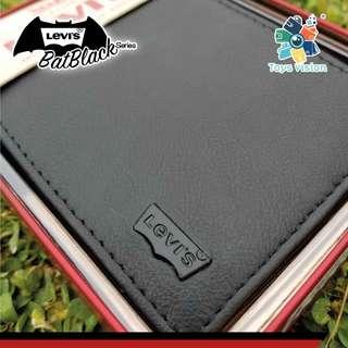 全新 Levi's Bat-Black Leather Mens' Wallet 真皮銀包, 黑色鐵牌
