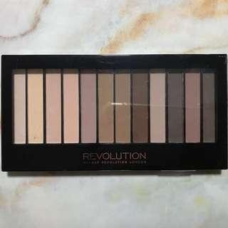 [instock] Makeup Revolution essential mattes 2