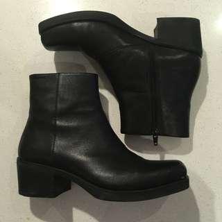 Vagabond Ariana boots