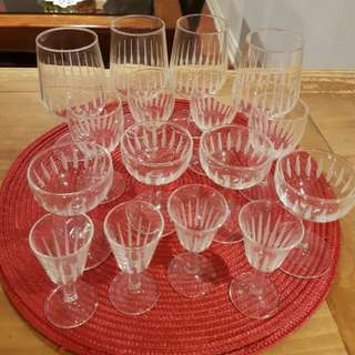 16 piece glass wear