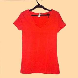 H&M DIVIDED V-neck Shirt