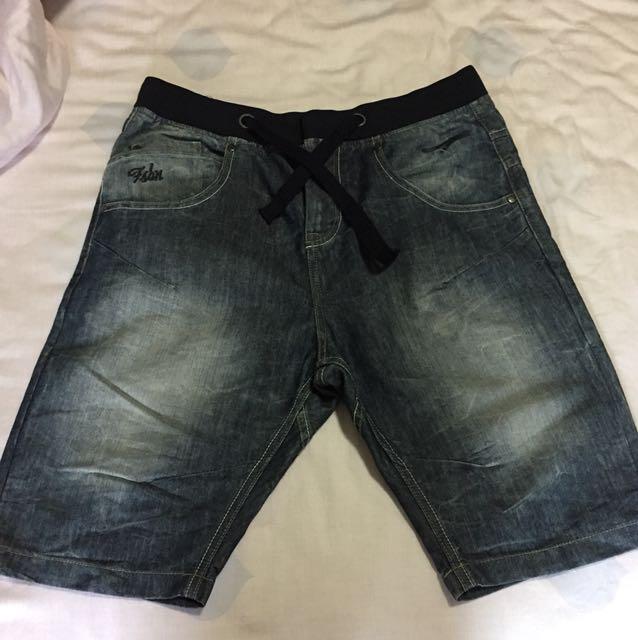 男生牛仔短褲
