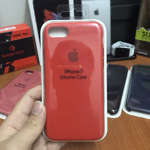 the latest ea5e3 1d928 Apple Original iPhone 7 (Product) Red Silicone Case