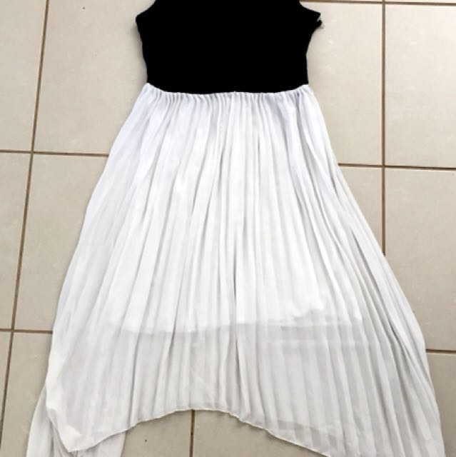 Black and white summer dress size 10-12