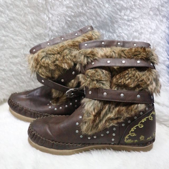 Boots with Fur (Brown)