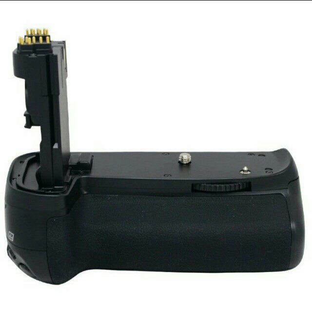 Cheap! Brand new third party battery grip for Canon 70D/80D